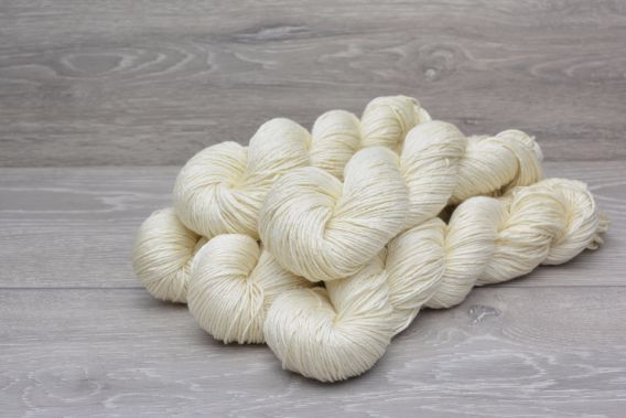 *SPECIAL* DK 75% Superwash Extrafine (19.5 micron) Merino 25% Silk Yarn 5 x 95gm Pack