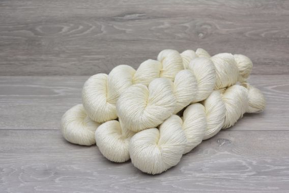 4ply 75% Superwash Extrafine (19.5 micron) Merino Wool 25% Silk Yarn 5 x 100gm Pack